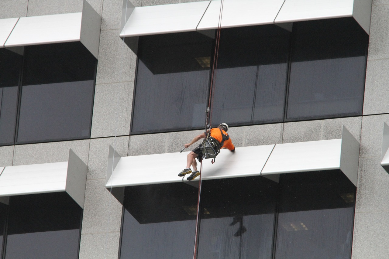 Start a skyscraper high-rise window cleaning business